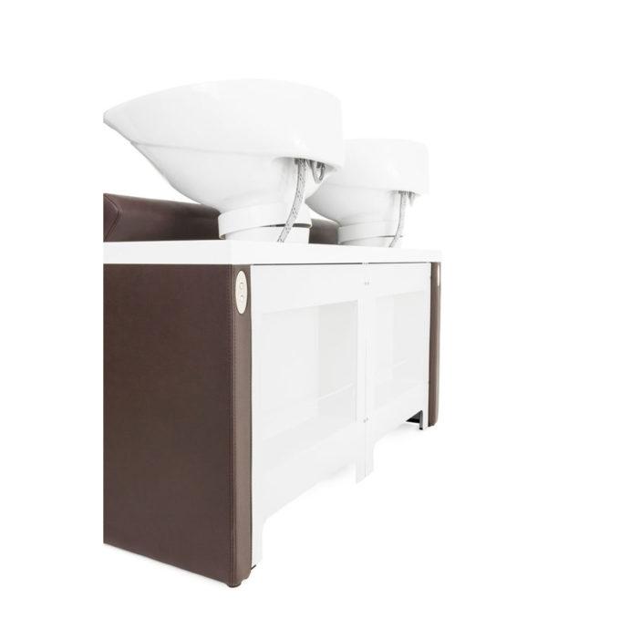 bac de lavage avec rangement arrière pour les shampoings