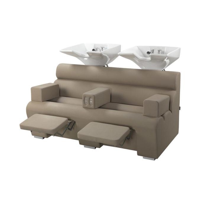 Bac de lavage coiffure 2 places avec reposes jambes électrique, accoudoirs et assises larges, finition skai taupe
