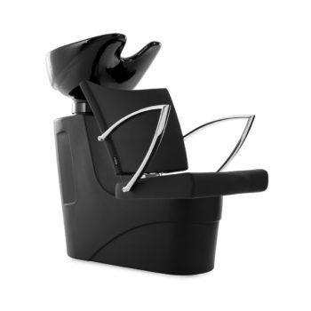 bac de lavage avec fauteuil en skai noir et accoudoirs en pointes en métal brillant
