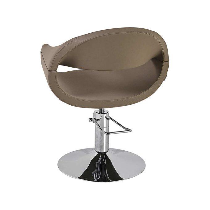 siège de coiffure marron avec pied chromé rond