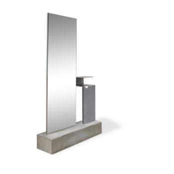 coiffeuse sur socle en béton brut gris avec étagère en inox et grand miroir