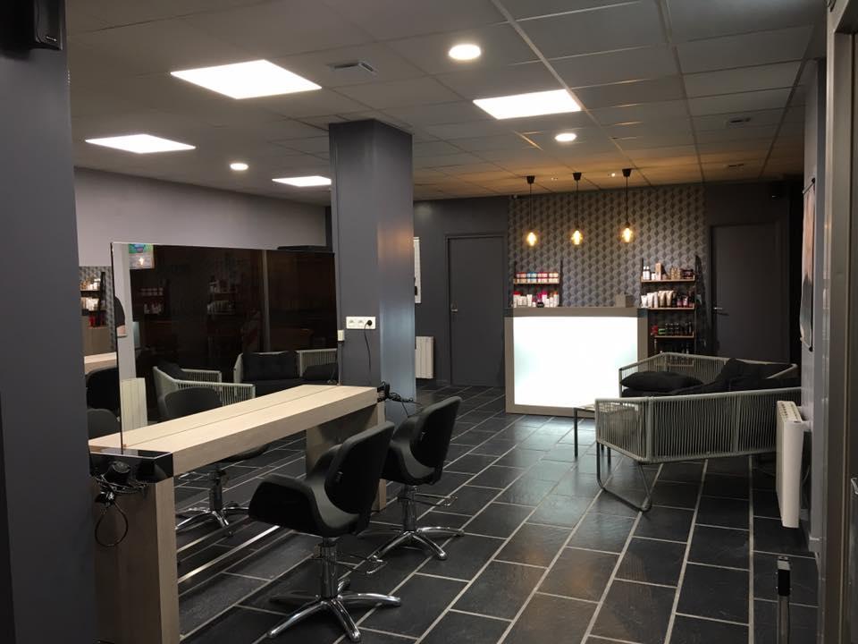 Agencement salon de coiffure mobilier coiffure relooking for Reprise salon de coiffure