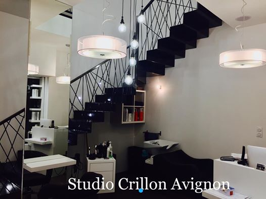 Agencement salon de coiffure mobicoiff for Salon du chiot avignon 2017