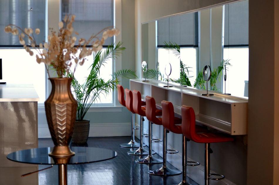 image fauteuils petit salon de coiffure