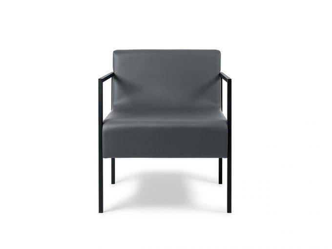 fauteuil d'attente large une place avec tructure en métal noir et assise en mousse et similicuir.